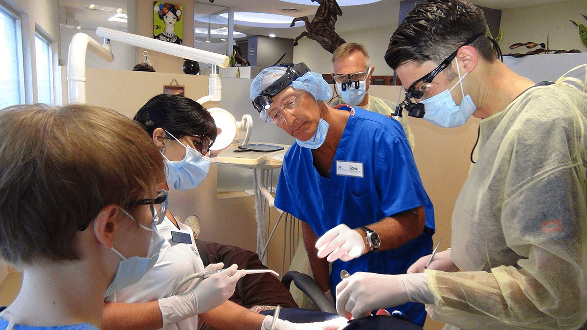 Live Implant Surgery Course in Cancun Cosmetic Dentistry